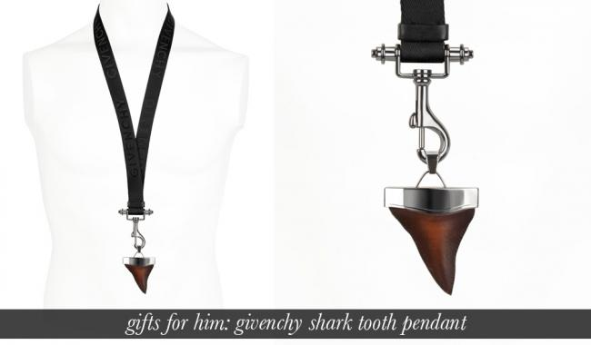 Givenchy: Shark Tooth Wooden Necklace