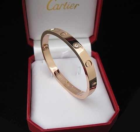 73da6c3fa471 Брендовые ювелирные изделия из Китая — браслеты, колье, любая качественная  бижутерия. Заказы по телефону  +38 068 5346113 Света